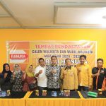 Danny Pomanto kembalikan berkas calon wali kota Makassar di Kantor DPC Partai Hanura Makassar